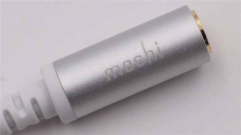 Moshi USB-C Digital Audio Adapter13