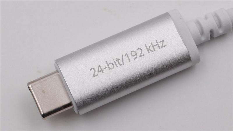 Moshi USB-C Digital Audio Adapter14