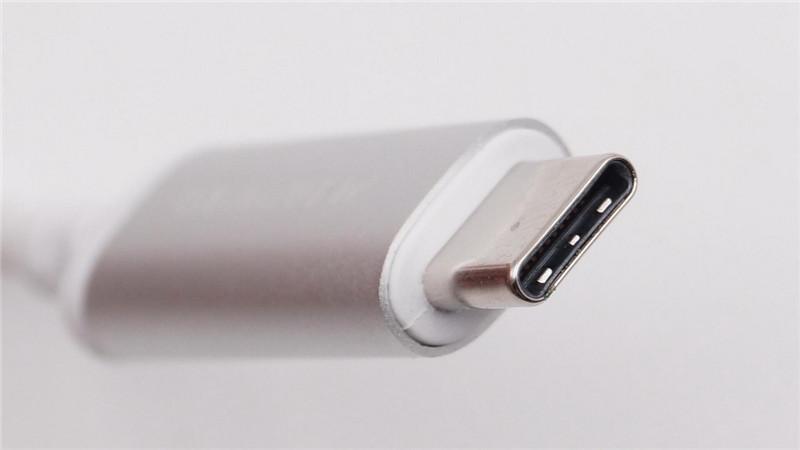 Moshi USB-C Digital Audio Adapter16