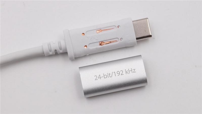 Moshi USB-C Digital Audio Adapter17