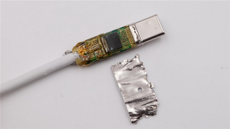 Moshi USB-C Digital Audio Adapter21